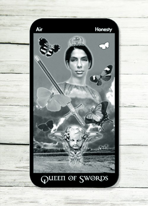 queen of swords tarot meaning